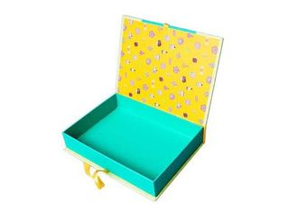 China Fancy Matte Black Gift Box Packaging , Apparel Gift Boxes For Shirts 7*7*5cm supplier