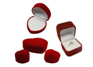 China Luxury Glossy Velvet Cardboard Jewelry Boxes Necklace And Earring Gift Box supplier