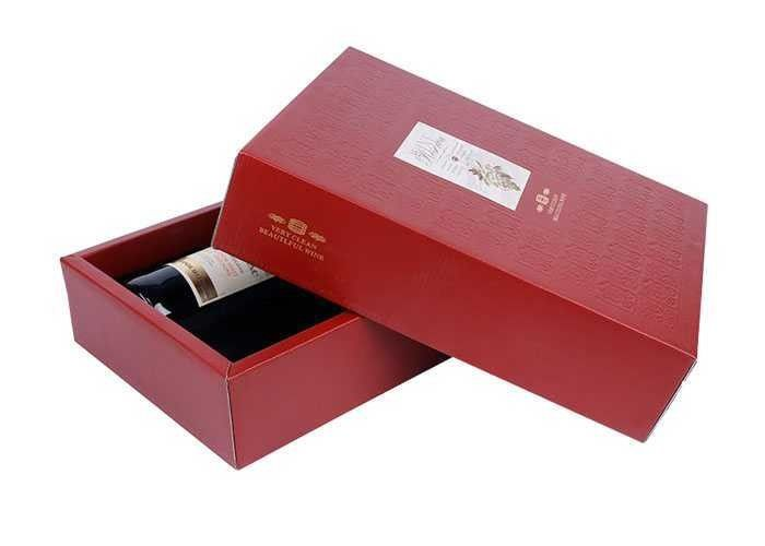 hot embossing red white cardboard gift boxes with handles nontoxic uv printing