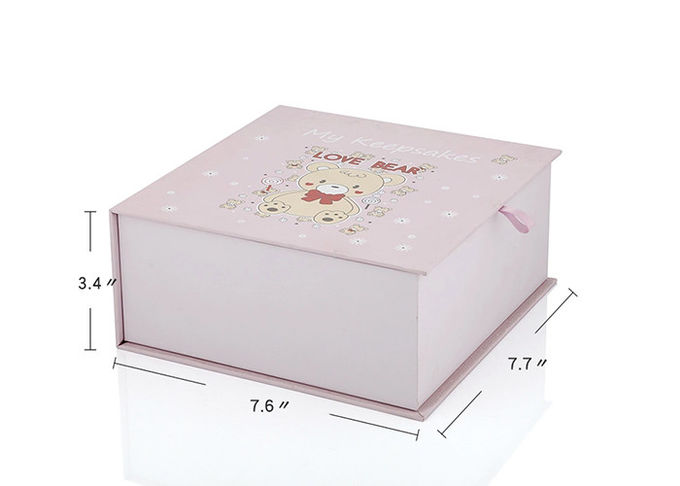 Fancy Cloth White Color Cardboard Gift Packing Box Magnetic Closure With Lid